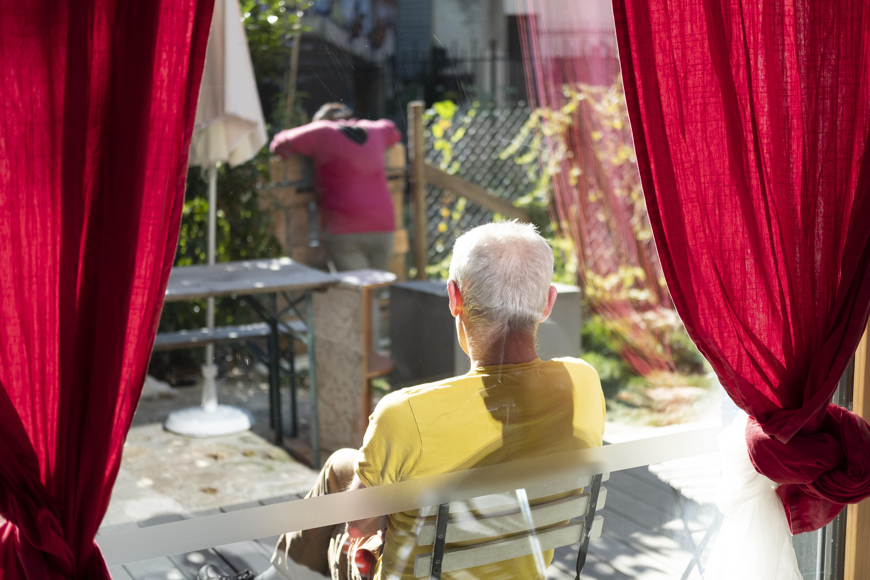 Photos de résidents de logements accompagnés sur leur terrasse